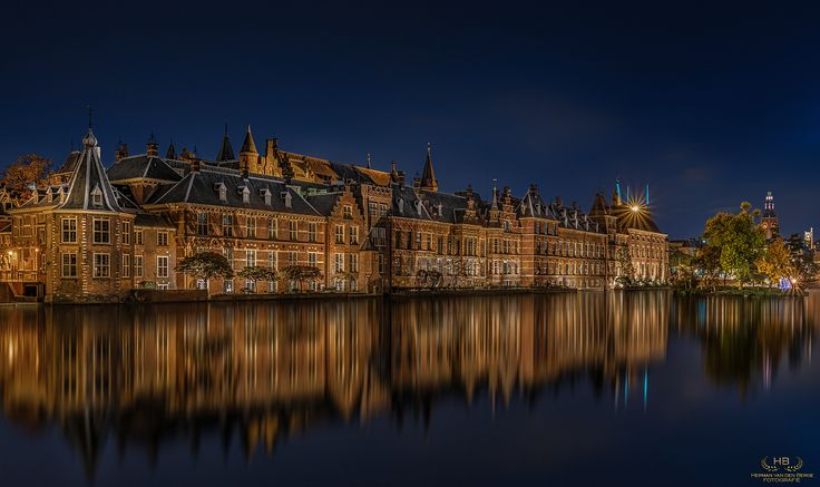 "House of Cards - The ""Binnenhof"" (Inner Court) is a complex of buildings where the Dutch parliament resides. So with a bit of imagination we can call it the Dutch House of Cards............"