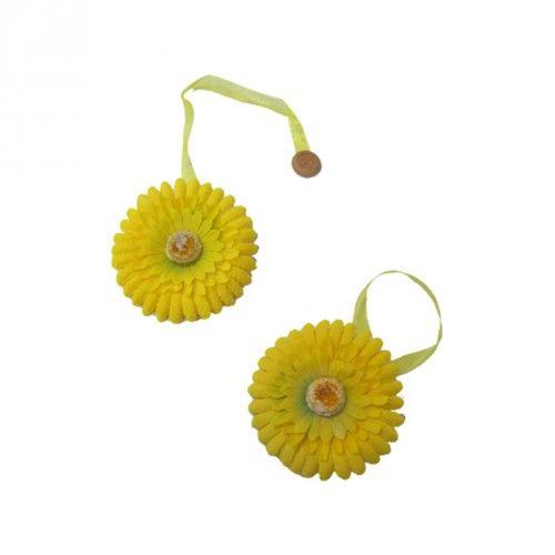 http://www.carillobiancheria.it/coppia-calamita-calamite-fermatenda-tenda-2-pezzi-fiore-colore-giallo-1001.html #carillolist