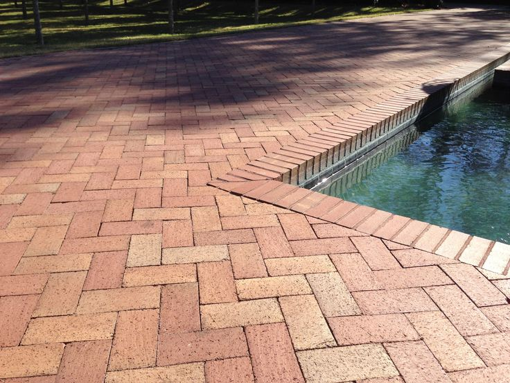 1000 ideas about brick courtyard on pinterest paver for Pool design pattern java
