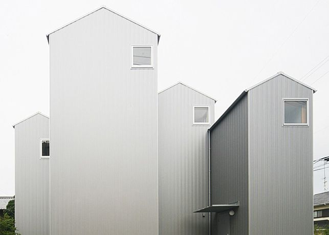 House in Kosai by Shuhei Goto Architects  (Shizuoka Prefecture, Japan, 2015)