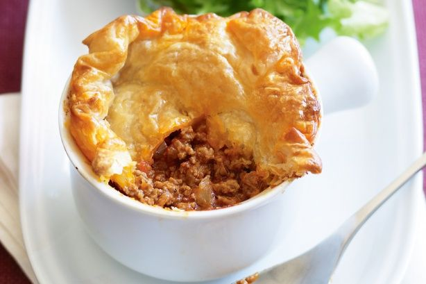 Six ingredients and hungry tummies are all you need for these Bolognaise pies.