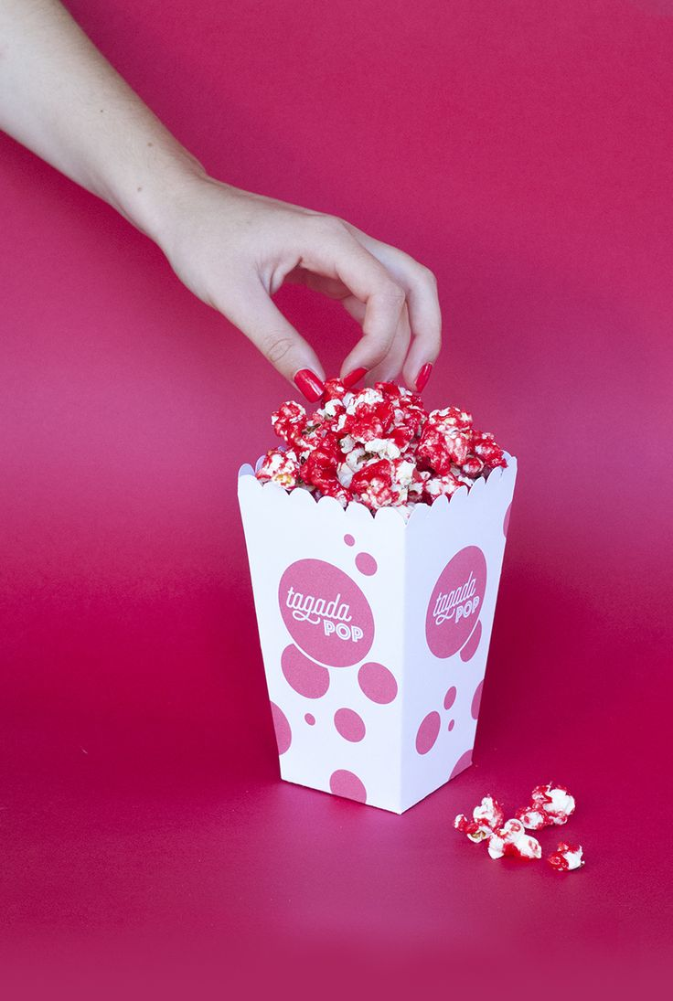 """Pop corn aux fraises Tagada - Pour donner une touche """"pop"""" à vos popcorns, une recette toute simple et qui fait son petit effet."""