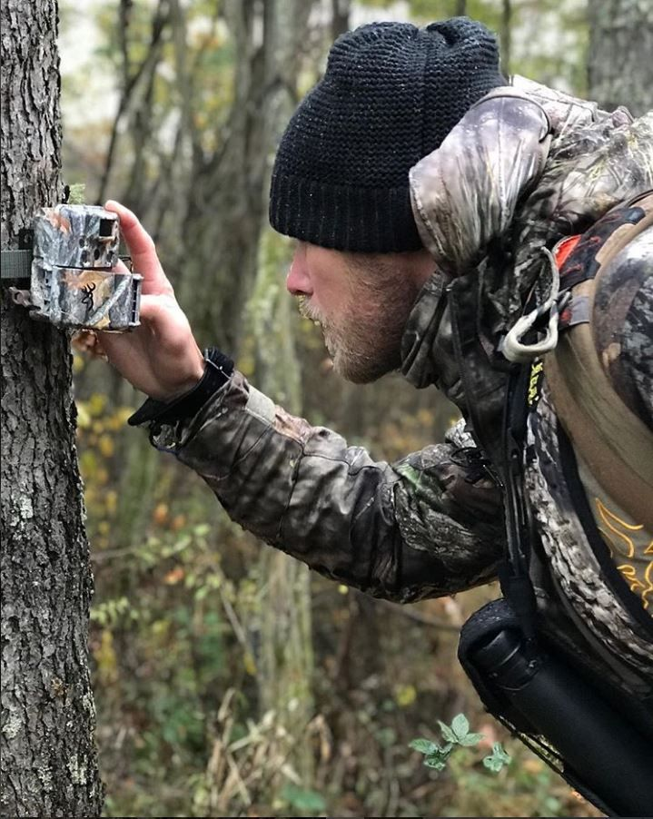Here's some bow hunting tips from Levi Morgan of Bow Life TV that can help you get within bow range of a mature whitetail during late season!  #bowhunting #BowLifeTV #browningcameras #hunting #browning