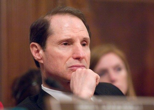 Sounding the alarm: Ars speaks with vocal NSA critic Sen. Ron Wyden The senator talks about the NSA, the FISC, and more.