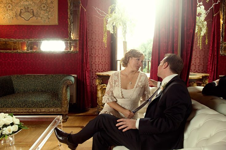 Ritratto di matrimonio a Palazzo Brancaccio, Roma | Wedding portrait in Palazzo Brancaccio | #burgundy #vinaccia