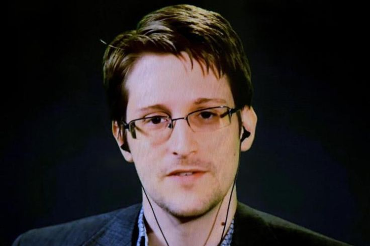 Facebook Fake News Stories: NSA Whistleblower Edward Snowden Warns Against Relying On Social Media Site For All News