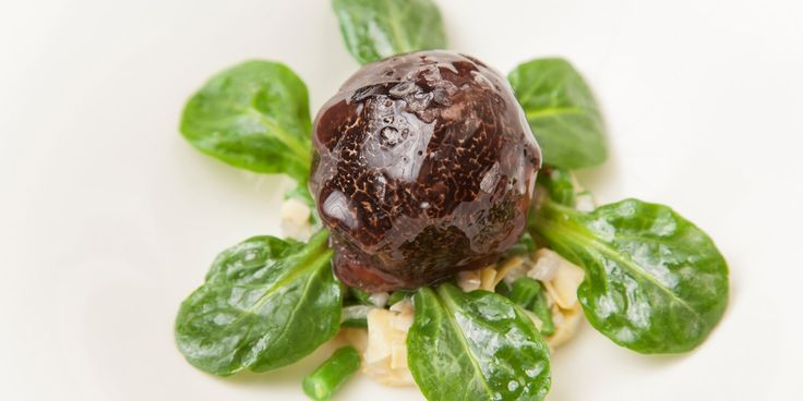A fantastic foie gras recipe from Aaron Patterson, with an artichoke salad and shiny truffle glaze. This fantastic truffle recipe would make a luxurious start to a dinner party.
