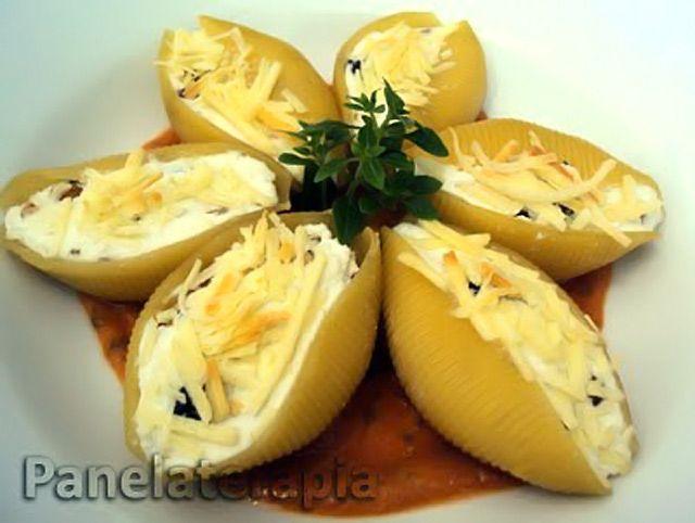 PANELATERAPIA - Blog de Culinária, Gastronomia e Receitas: Conchiglioni de Ricota, Passas e Nozes