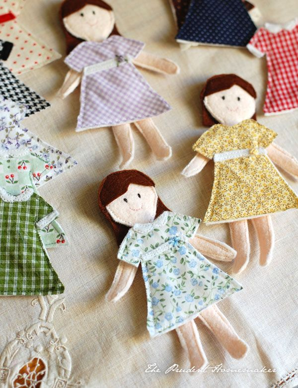 More felt paper dollies.  Kitty wants to make these for Jo.  It's a huge project for a 7 year old, but I think she could do it with some (a lot?) of help.  If anyone could, it would be her.