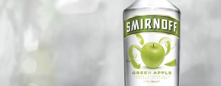 Smirnoff Green Apple possesses an intriguing taste. Both sweet and sour, its flavour lights up your taste buds and your night.