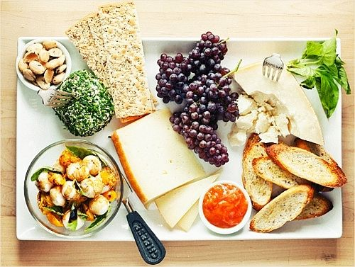 This looks absolutely delicious!: Chee Trays, Sprouts Kitchens, Chee Platters, Chee Boards, Cheese Trays, Appetizers, Chee Plates, Cheese Platters, Cheese Plates