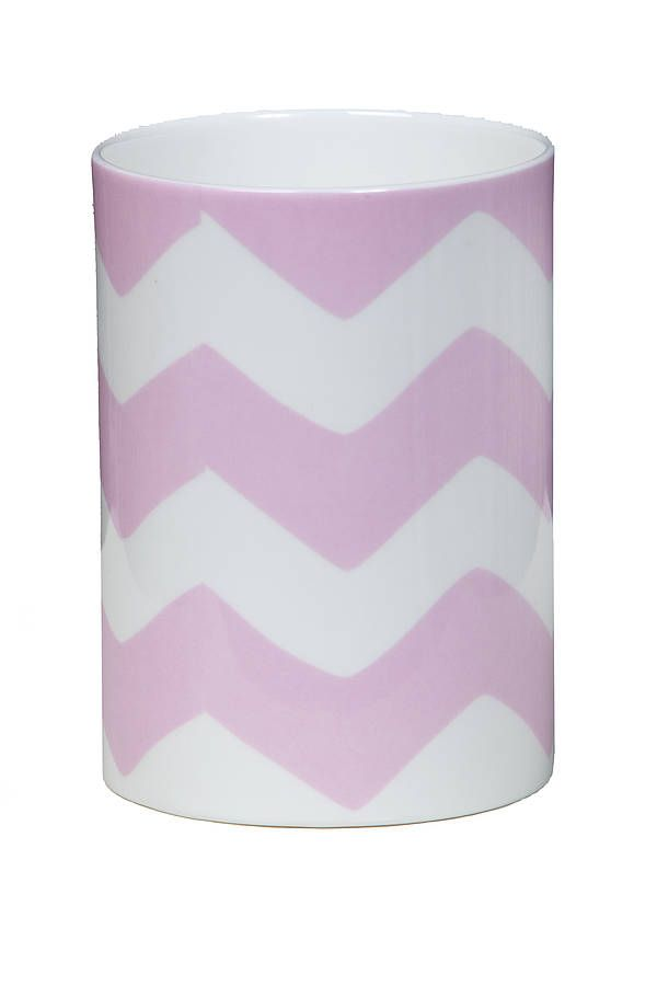 £14 original zigzag toothbrush pen holder - made in england .  Handmade in England from fine bone china, suitable for dishwasher and microwave use.