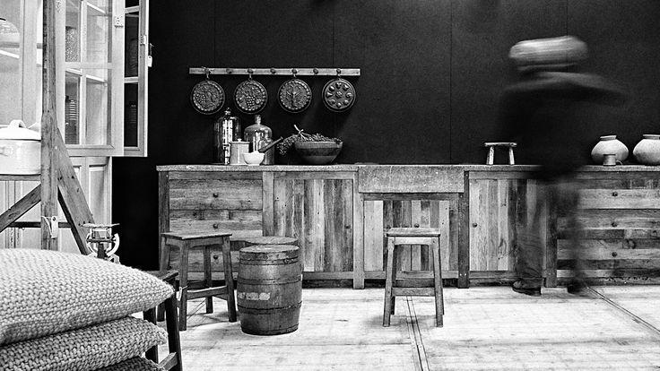 Tijdloze massieve keuken op maat - Eerste keus nieuwe en oude eik - Timeless, custom solid oak kitchens - First choice old and new oak - WoonTheater