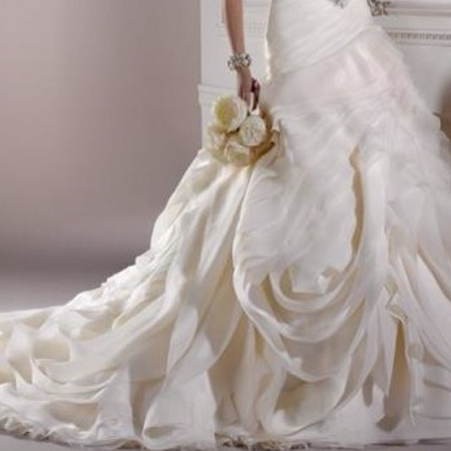 43 best wedding dresses images on pinterest wedding for Maggie sottero grace kelly wedding dress