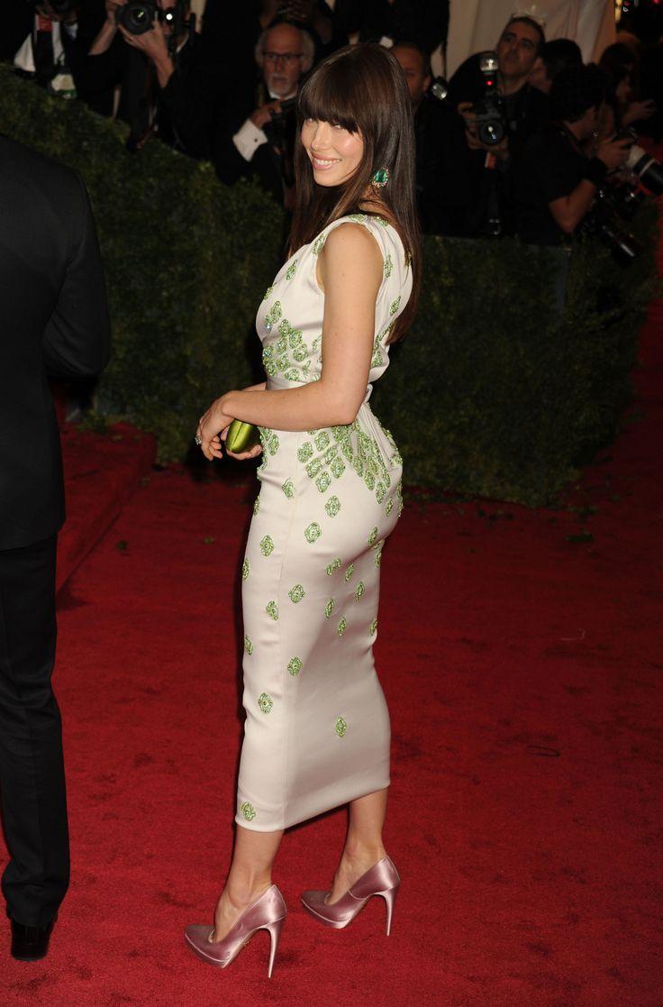 Jessica Biel incredible curves