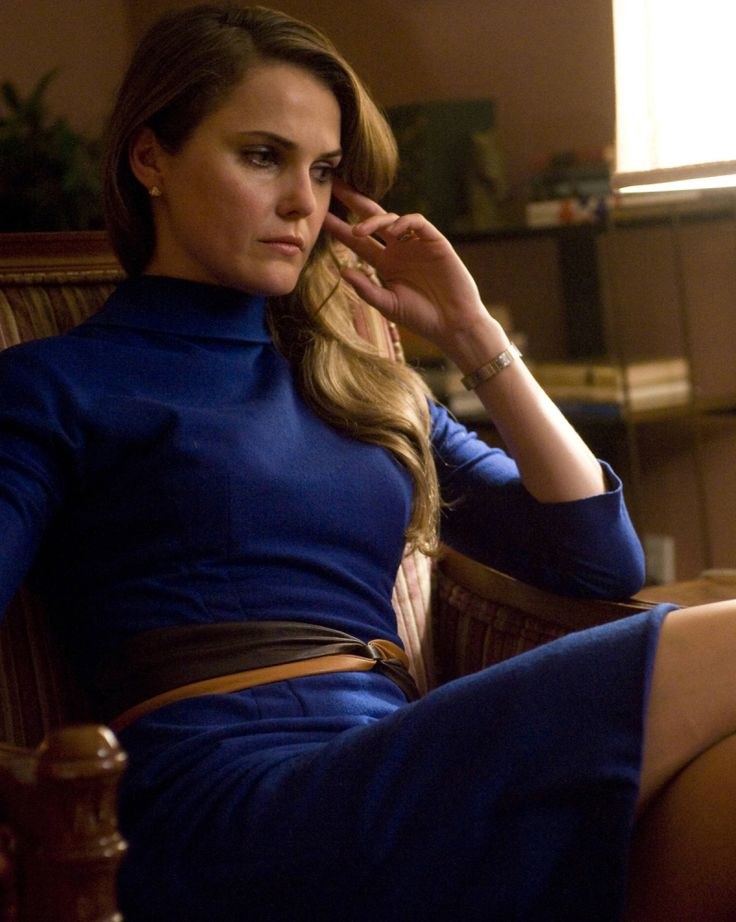 'The Americans': FX Orders Cold War Spy Series Starring Keri Russell -- Love this dress and the color!
