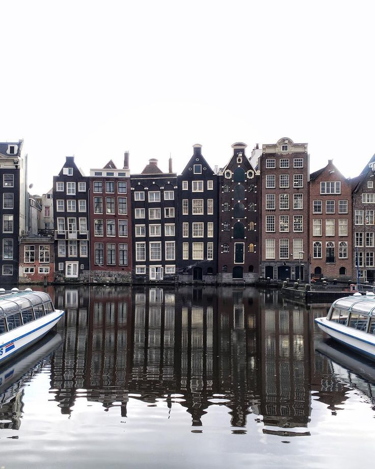 """Amsterdam houses have the funniest shape #amsterdam"""