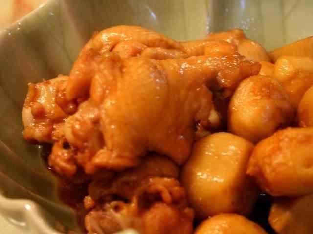 ねっとりやわらか❤鶏手羽元と里芋の煮物の画像