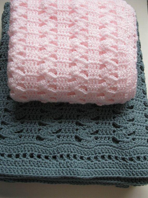 Easy Crochet Blanket - Interlocking Shell Stitch Crochet Blanket - PDF for Blanket/Afghan