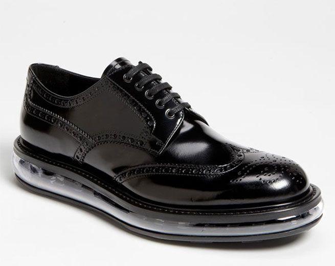 """Nas alturas: os sapatos """"Levitate"""" da Prada! - Lilian Pacce"""