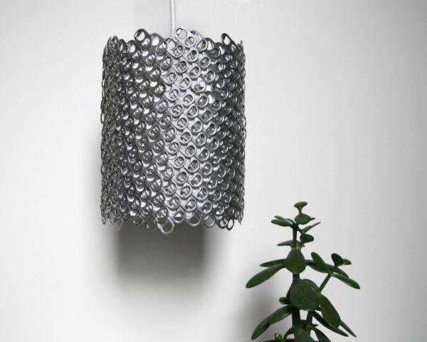 Abat-jour DIY et suspendu en 60 idées inspirantes ! Du papier, du tissu, du métal, des objets recyclés pour fabriquer des lampes de plafond