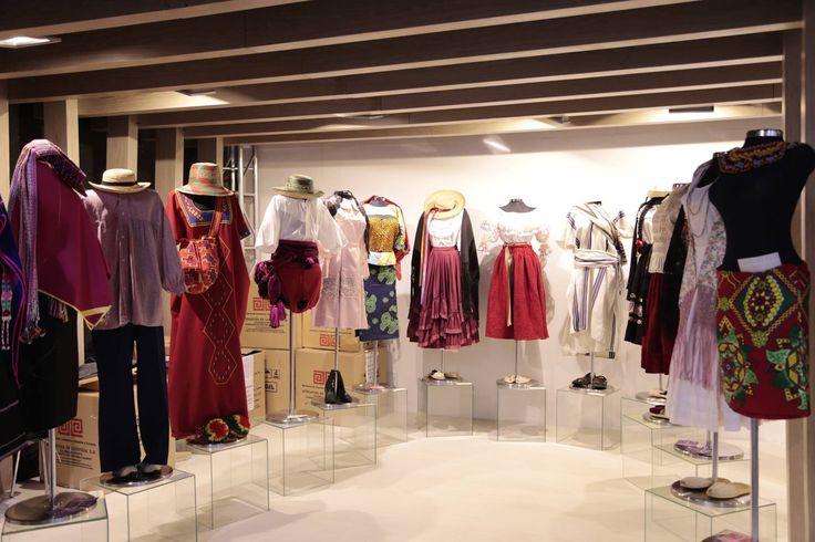 Expoartesanías es la feria más importante del sector artesano en América Latina que busca promover y fortalecer el sector artesanal colombiano. Se lleva a cabo todos los años en Corferias, Bogotá