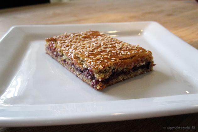 EGOSHE.dk - En madblog med South Beach opskrifter og andet godt...: Sundere kokos- og marmeladesnitter