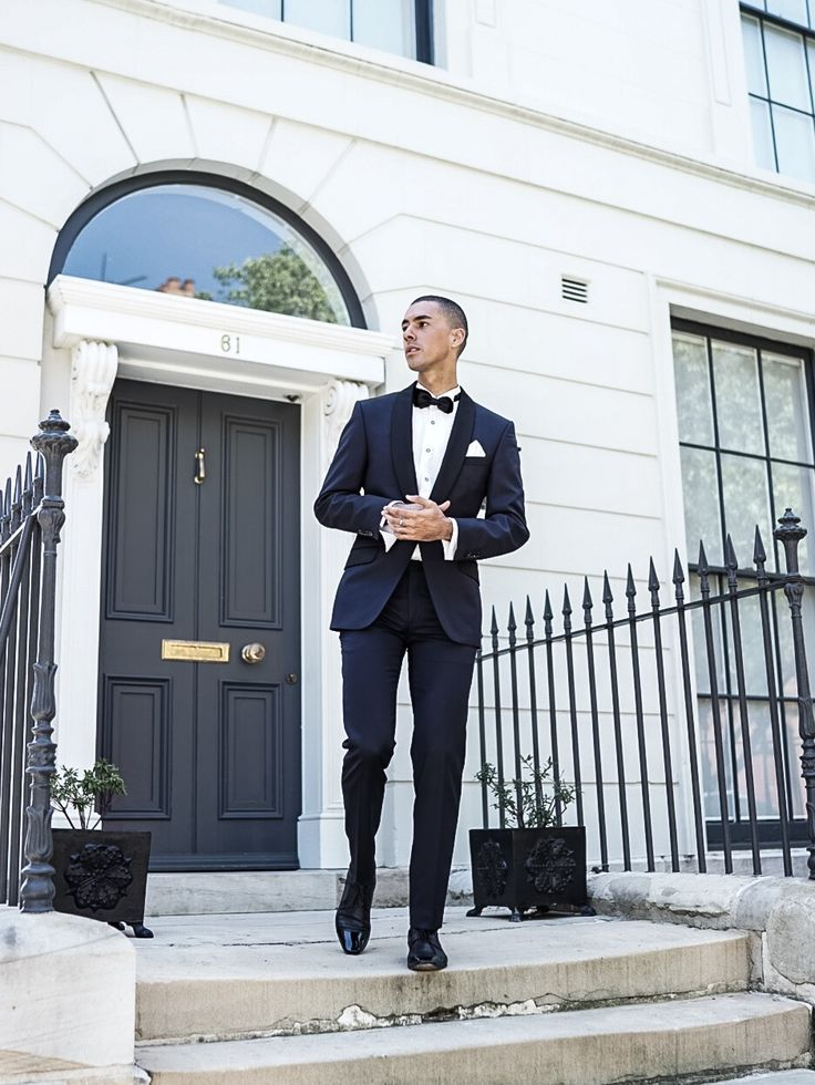 MR TURNER, Mens Fashion Stye Outfit Blogger wearing a Navy Blue Tuxedo with a black satin lapel.