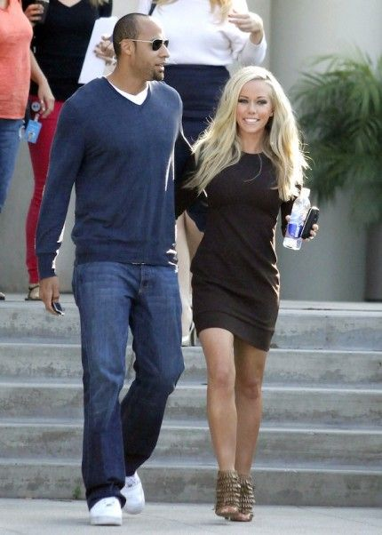 Kendra Wilkinson in Report Signatue/InPRessLA - love her simple dress  and her booties