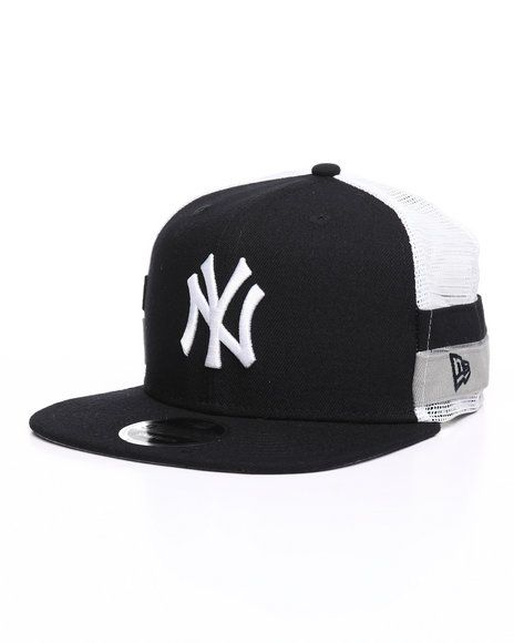 f66a899590a Find 9Fifty High Crown Striped Side Lineup NY Yankees Trucker Hat Men s Hats  from New Era   more at DrJays. on Drjays.com