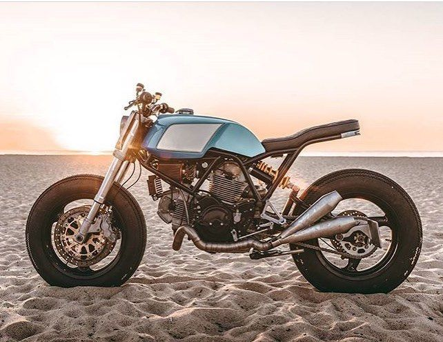 """1,563 mentions J'aime, 4 commentaires - BikeBound (@bikeboundblog) sur Instagram: """"Ducati 750SS by @workersmotorcycles, found via @themodernmotorcyclist. 📷: @tristanfopma :: #ducati…"""""""