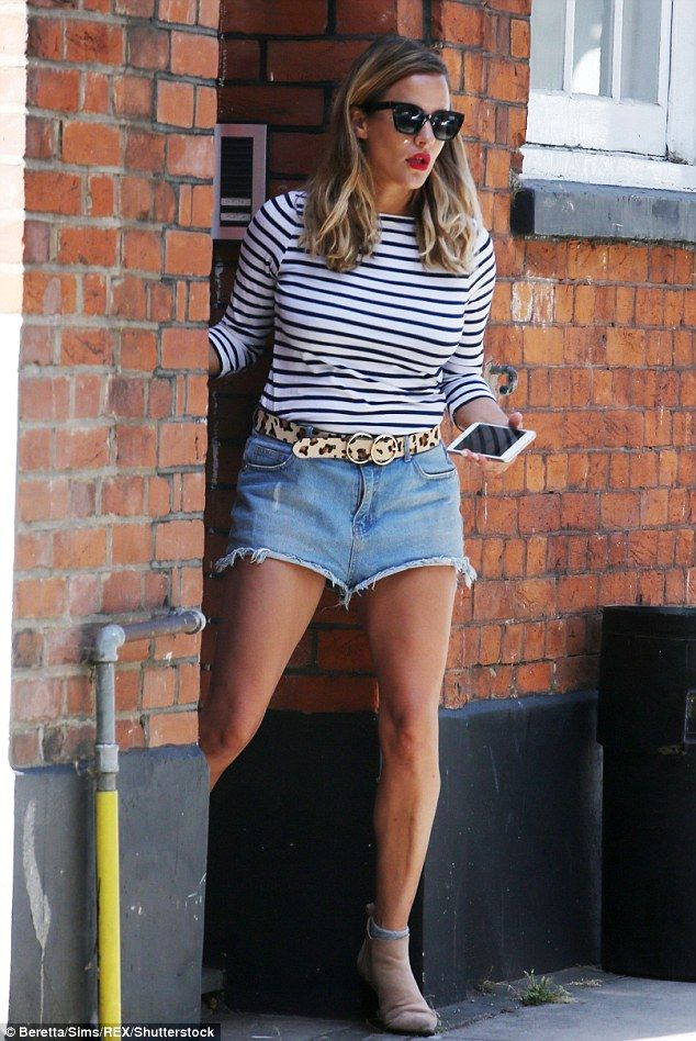 7cc4e8b34682 Leggy  Caroline Flack stepped out on Monday amid claims that the couple  plan to meet again.