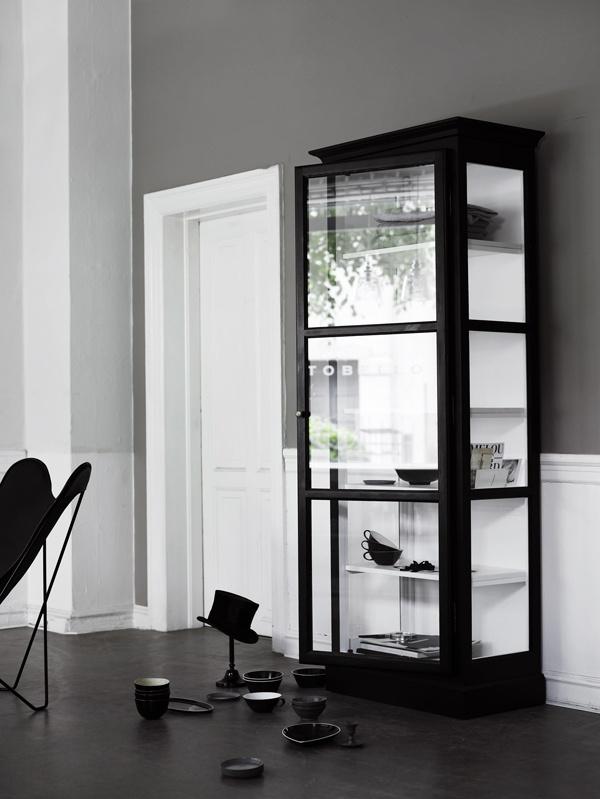 Lindebjerg Design vitrineskab DKK 8.800!