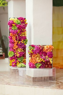Beautiful flower wall. #Flower #Wall Bharat Kiraya Bhandar