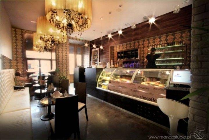 Kawiarnia oferuje doskonałe nadziewane czekoladki - praliny, trufle, oblewane czekoladą a także owoce kandyzowane. http://krakowforfun.com/pl/10/puby/chocoffee