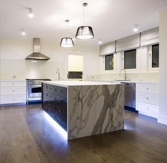 Calacatta creates a fantastic feature in this white kitchen by @roomfourdesign .  #cdkstone #calacatta #calacattamarble #marble #whitemarble #greymarble #naturalstone #naturalbeauty #naturesmasterpiece #designinspiration #kitcheninspiration