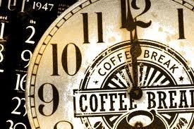 Nyed en ekstra god kop kaffe, the eller hos chokolade hos The Coffee Break på gårdspladsen. De kommer med deres søde lille serveringsvogn der serverer alle former for lækker kaffe ...