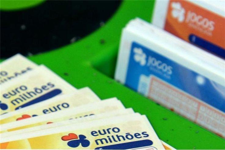 O primeiro prémio do concurso desta terça-feira do Euromilhões no valor de 25 milhões de euros foi atribuído a um apostador no estrangeiro, informou a Santa Casa da Misericórdia de Lisboa.