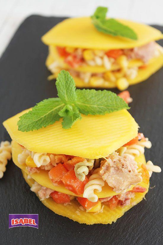 Milhojas de Mango y Completa Ensalada Italiana