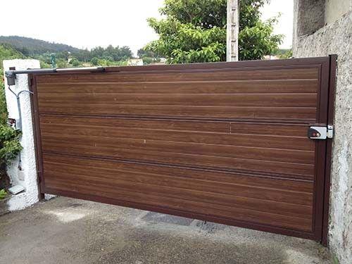 Las 25 mejores ideas sobre puertas automaticas en - Portales de madera ...
