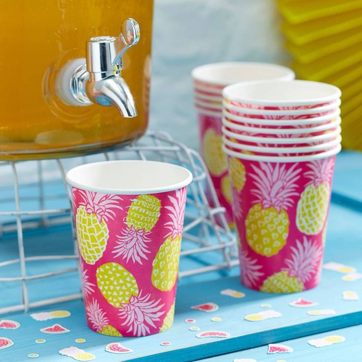 Tropical Pineapple Party Cups