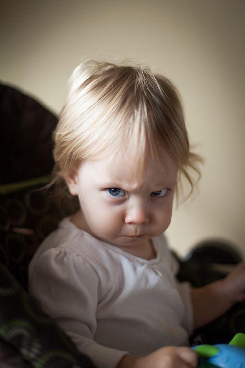 I don't want a baby de remplacement .  Je veux qu'on m'aime pour moi... T'as bien compris  dad ??? sinon... Laisse béton  !