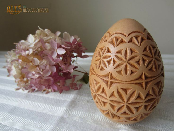 Easter egg chip carved cm basswood
