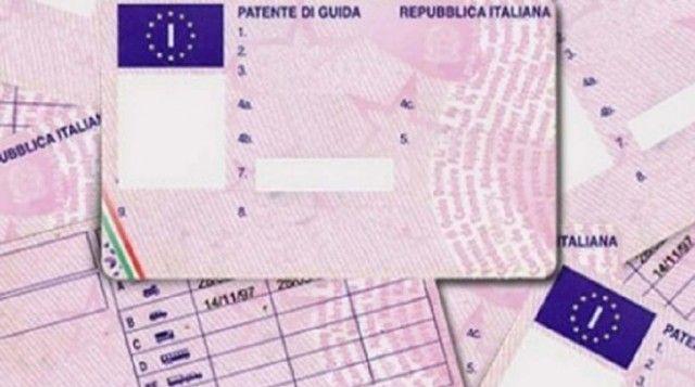 La patente di guida è un documento di riconoscimento? Ecco la verità