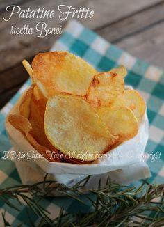 Patatine fritte ricetta Boncifacile e di sicura riuscita.Rimangono croccanti a lungo e per questo di possono preparare in anticipo.Ricette Prova del Cuoco