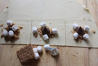 s'mores kiss pies