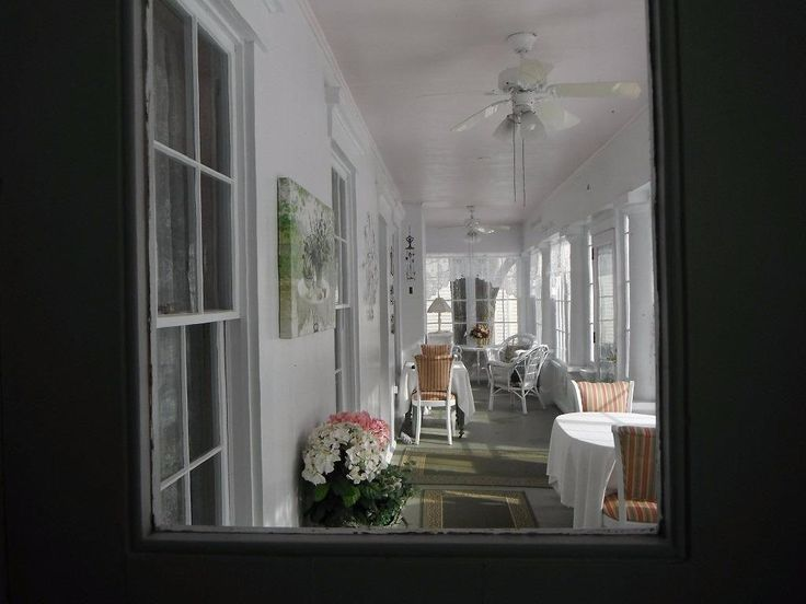 17 best ideas about greek revival home on pinterest for Greek revival architecture characteristics