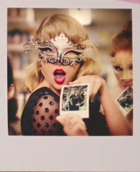 Taylor in the new Target commercial Please Follow Us @ http://22taylorswift.com…