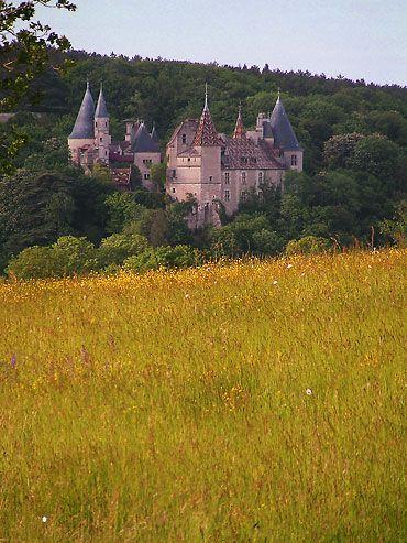 Château de la Rochepot, peut-être mon préféré en Bourgogne...