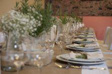 tema delle piante aromatiche sui tavoli